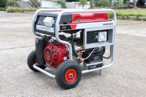 7.5kw de op zwaar werk berekende Verre Generator van de Benzine van het Begin met 2X Groot Pneumatisch Wielen en Handvat