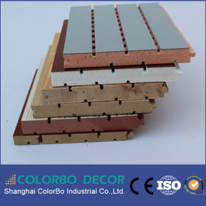 La conception de bois de construction en bois rainuré Panneau acoustique