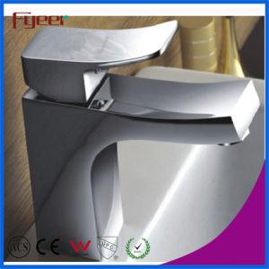 熱く、Cold Water Bathroom Basin Faucet Mixer Tap (Q3038)