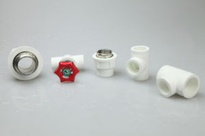 UPVC e PVC sobre asconexões dos tubos de água branca