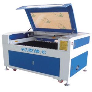 수정같은 새기기에서 사용되는 100W Laser 조각 기계 Lx-Dk6000