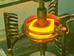 Macchina di trattamento termico di indurimento di induzione per alluminio