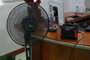 Generatore autoalimentato solare portatile 100watt della batteria di ione di litio del generatore mini