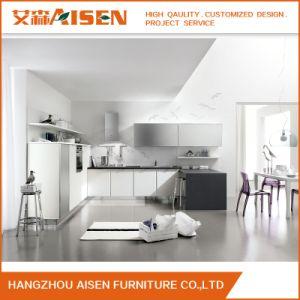 2018の現代方法台所家具の木の光沢度の高い食器棚