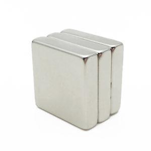 Magnete di barra sinterizzato alta induzione residua del neodimio di rendimento elevato per industriale