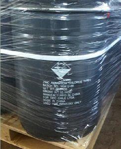 De Prijs van de fabriek in 50kg het Chloride dat van het Zink van de Trommel wordt ingepakt