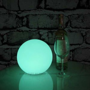 Enciende la luz de la piscina de plástico flotante brillo LED ORB