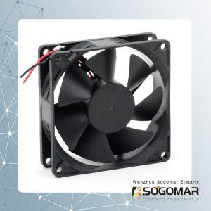 Ventilador Panel 80x80x25mm 12/24V DC con la función PWM de alta calidad