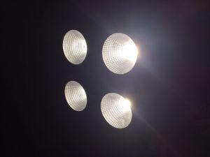 工場販売4*50W LEDのディスコの穂軸の視覚を妨げるものの段階ライト