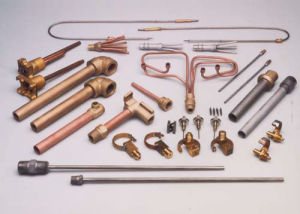 ろう付けする銅の管のための誘導溶接機械装置