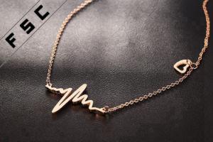 Collana Pendant della nuova di modo dei monili ultima di disegno curva dell'oro per le ragazze