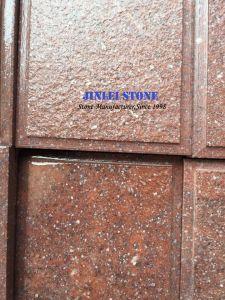 屋外のプロジェクトのための敷石または立方体の石造りの自然な分割によって炎にあてられる赤い石の石の赤い斑岩かPorphyre