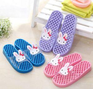 Hot Sale à plat des sandales de bain qui fuit de l'eau de haute qualité des patins en PVC
