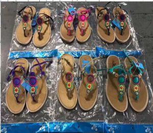 Fashion Mesdames pantoufles/sandales, ont 400, 000de paires en stocks. USD0.73/paires