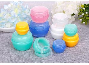小さく装飾的な瓶、プラスチックの小さい瓶