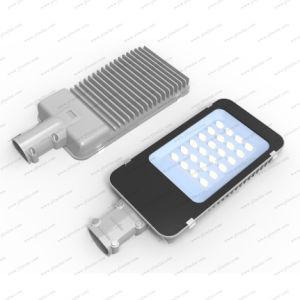 LED Solar exterior Lámparas de ahorro de energía de la calle con 6m de alto polo de doble brazo