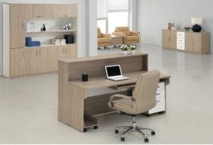 Secrétaire moderne bureau de réception avant table de bureau