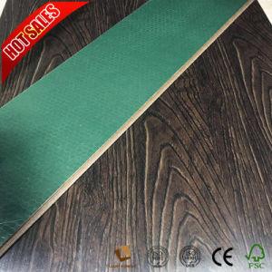 Planchers laminés de couleur unie avec le milieu La surface gaufrée