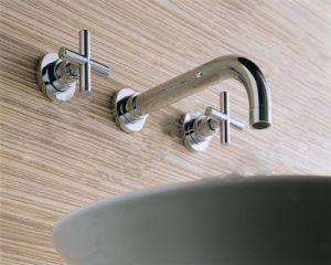 高品質及び競争の真鍮の洗面器のコック(TRD1009)