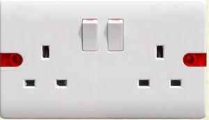 La norme britannique double 13A Prise de courant commutée F