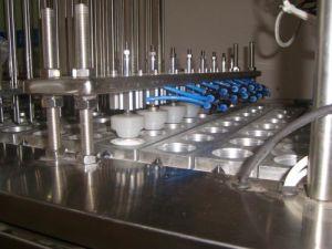 El papel de plástico tazas taza Lugar de la máquina de sellado y la junta de tapa de Pet