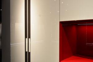 Style moderne minimaliste Glacé/mettre en surbrillance la laque penderie avec voyant LED