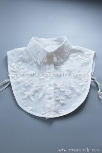Comercio al por mayor camisetas de las mujeres blancas desmontables con Cristal Collar imitación Estrás