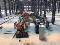 Taglio del tubo e linea di produzione automatici del preparato di bordo