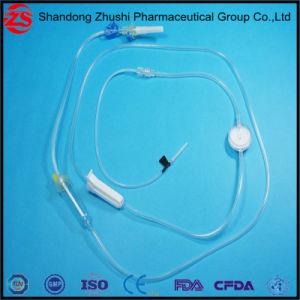 Beschikbare Infusie die met Plaats van de Injectie van de Naald de Vrije/de Nauwkeurige Naald van de Vlinder van de Veiligheid van de Filter van de Regelgever van de Stroom wordt geplaatst