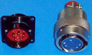 Le connecteur électrique 1405 (Y50EX)