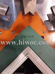 Usine de la vente directe de 2 ans de garantie de la fenêtre d'aluminium combinant coin coin de la machine machine machine de sertissage de châssis de fenêtre en aluminium Raccordement de la machine avec la CE