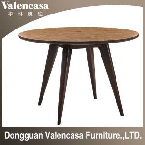 Круглый обеденный стол из дерева и мрамора верхней части