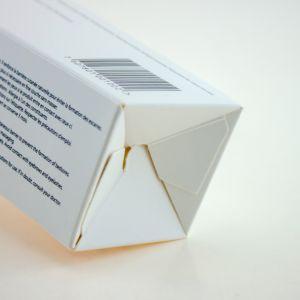 مستحضر تجميل [أفّست برينتينغ] أبيض يكسى ورقيّة يطوي صندوق