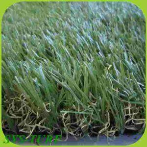 Grünes künstliches landschaftlich verschönerngras für Hausgarten
