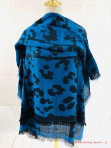 precio de fábrica Ladie 2020 Nueva Frontera Leoprd azul de moda de poliester Jacquard bufanda suave