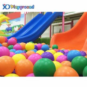 O parque de diversões comerciais de grande parque infantil com bola macia interior exterior