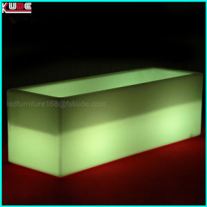 El plástico brillante Prtable bares y se iluminan en muebles de exterior