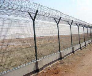 Post het Gelaste Opleveren van de Omheining van de Luchthaven van de Gevangenis van de Veiligheid van het Netwerk van de Draad
