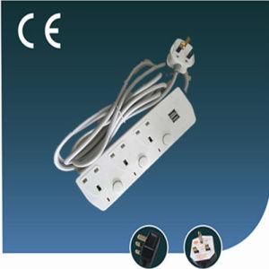 Trois façons UK prise électrique de l'extension avec USB