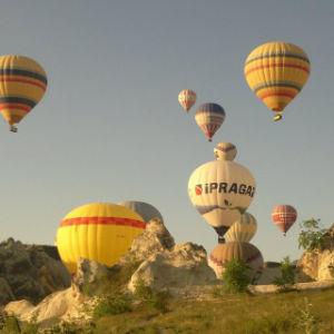 Aerostati di aria calda di pubblicità esterna con il vario genere di figura