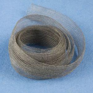 Tecidos de malha de arame de aço inoxidável como camadas protectoras para isolamento de fibra cerâmica de forno