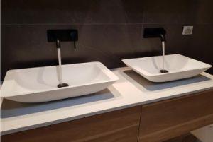 Doppi Lavabi Da Bagno : Lavabo rotondo di superficie solido della stanza da bagno piccolo
