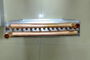 銅管のアルミニウムFinned熱交換器を乾燥する屋外の木製の炉水