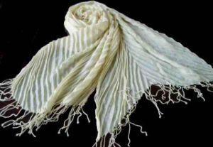 ばねか秋のスカーフ