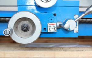 26mm退屈させたCjm250 DIYの金属の旋盤機械