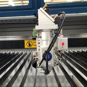 Taglierina automatica personalizzata dell'incisione del laser del CO2 di controllo per metallo/metalloide/mestiere