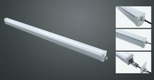 中国の工場IP65 Epistar 19W三証拠ランプLEDの管ライト屋外および屋内照明設備
