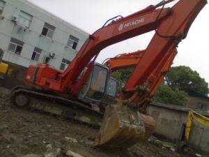 Escavatore utilizzato Hitachi (EX200-5)
