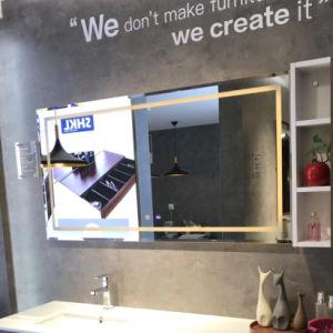 中国デジタル寝室のホテルの卸売のためのデジタル時計が付いている長方形によって照らされるLEDの軽い浴室ミラー