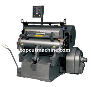 Режущие машины бумагу с нагревательной плите